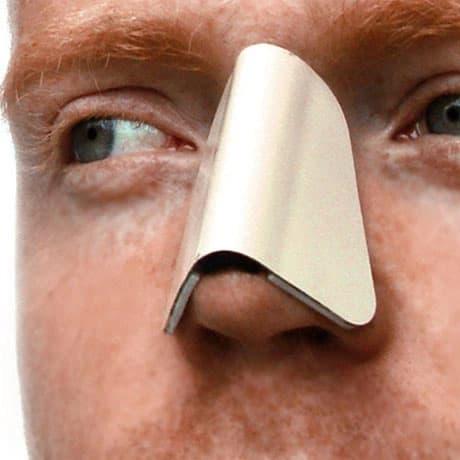 Лангета на спинку носа после ринопластики